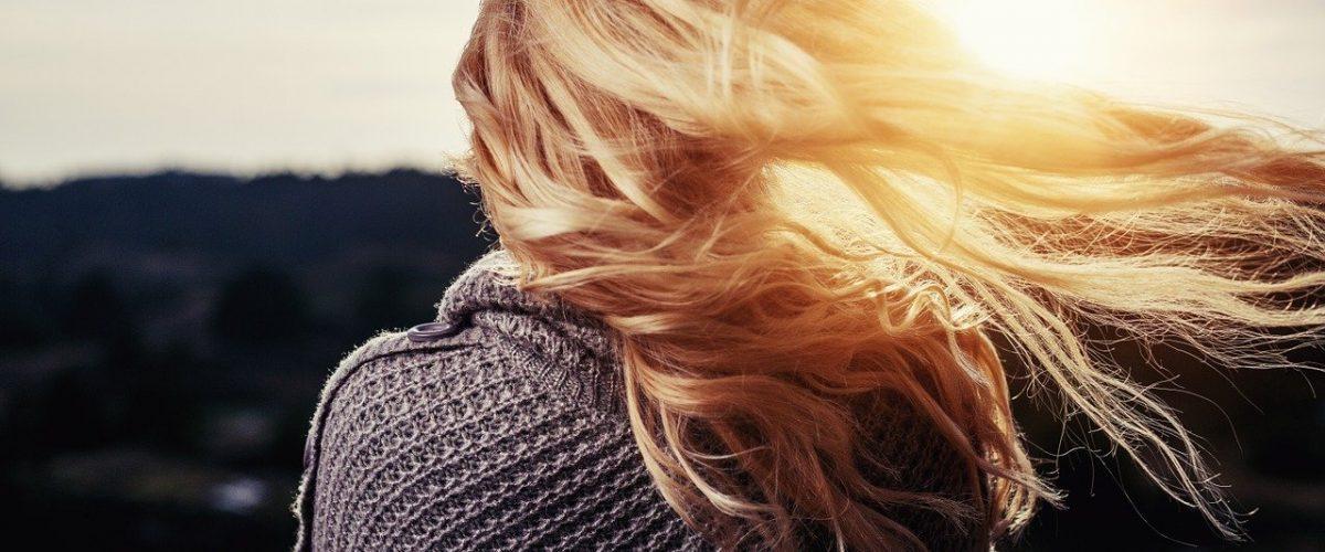 Diferencias entre ir a la peluqueria hacerse las mechas y los reflejos